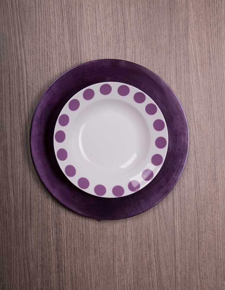 set de 12 assiettes de table violet casa square. Black Bedroom Furniture Sets. Home Design Ideas