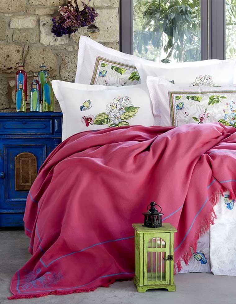 Ensemble de lit brod palma fleuris double casa square for Ensemble linge de lit
