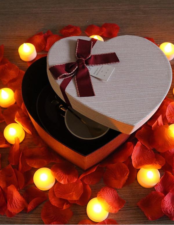 Boite de cadeau forme coeur